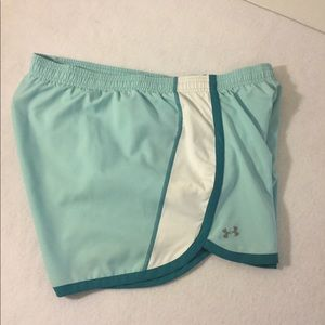 Women's size Large Under Armour athletic shorts
